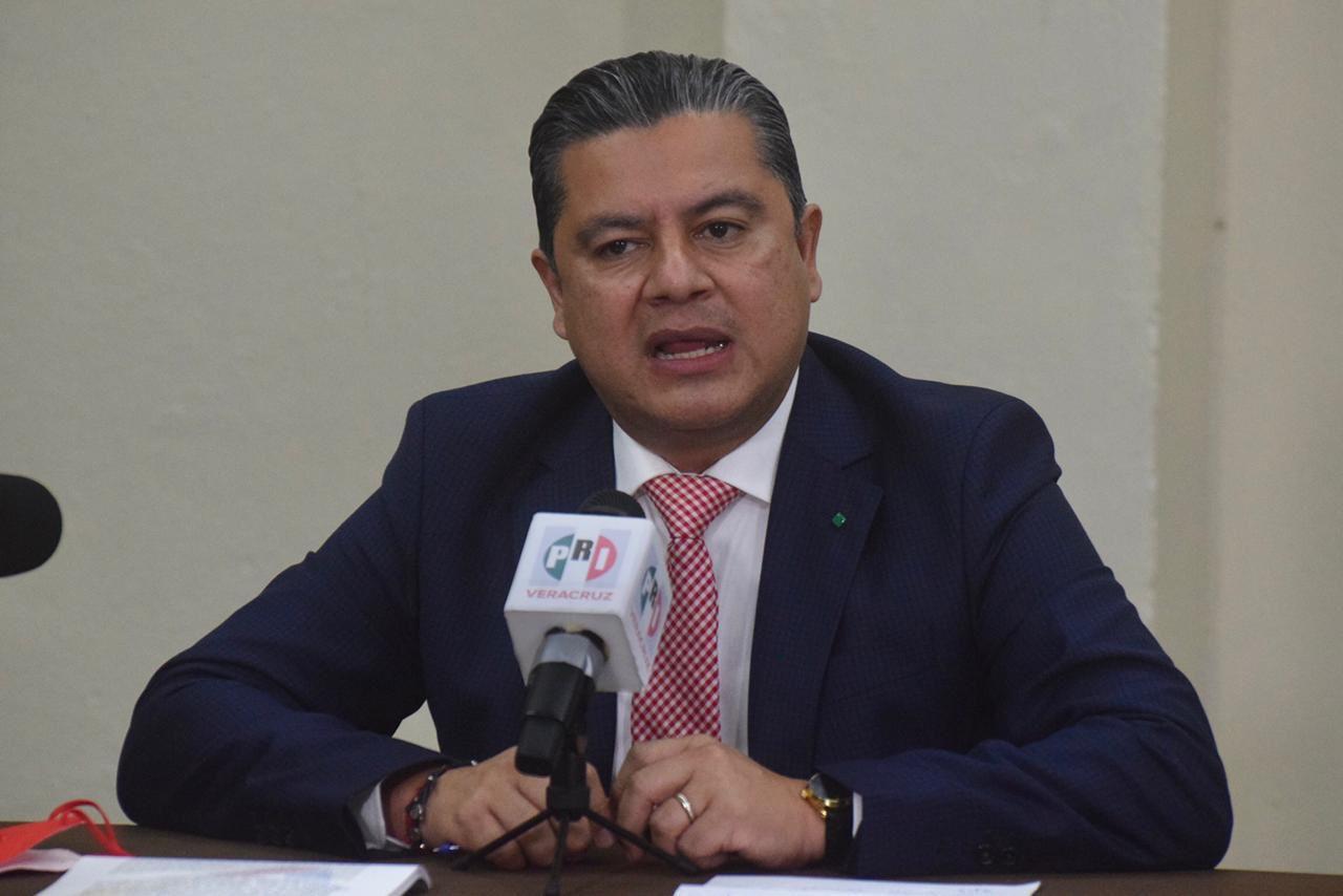 Los notarios públicos son profesionales del derecho y depositarios de la fe pública en el estado de Veracruz: Marlon Ramírez